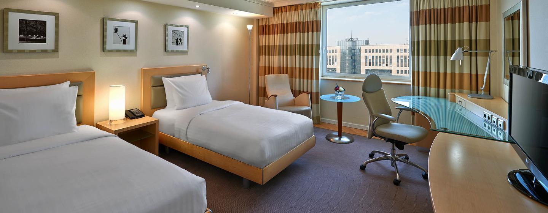 Hilton Dusseldorf, Germania - Camera con letti separati