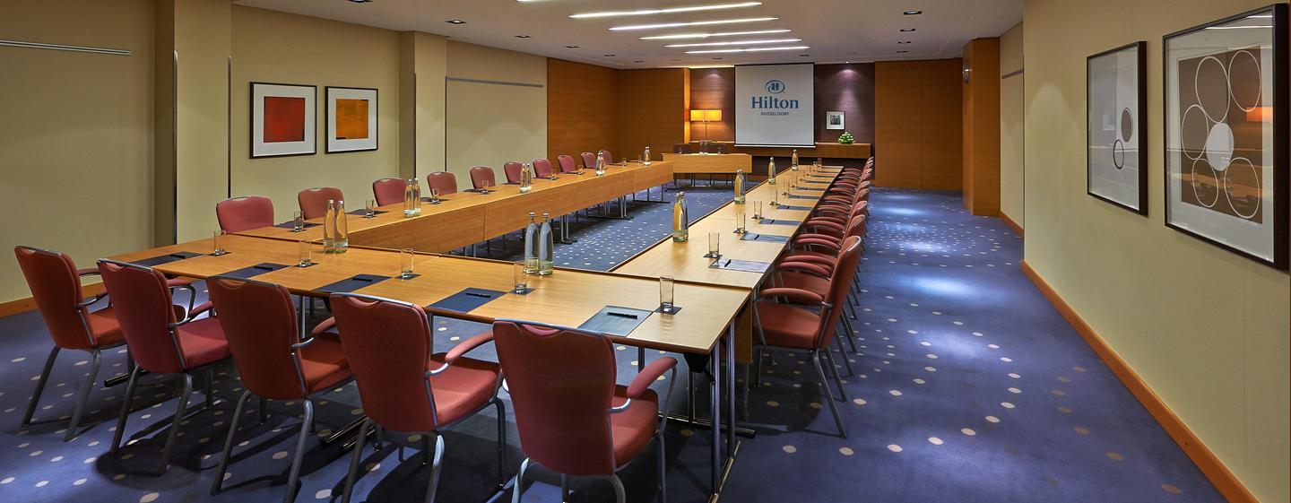 Hilton Dusseldorf, Germania - Sala meeting