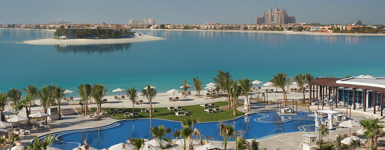 Hotel Waldorf Astoria Dubai Palm Jumeirah, EAU - Piscina affacciata sulla laguna