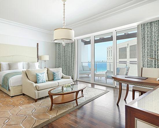 Hotel Waldorf Astoria Dubai Palm Jumeirah, EAU - Camera Superior con letto king size e vista parziale