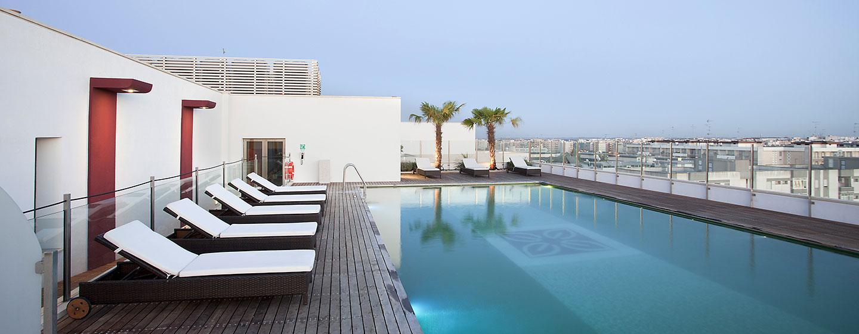 Hotel Hilton Garden Inn Lecce, Italia - Piscina esterna