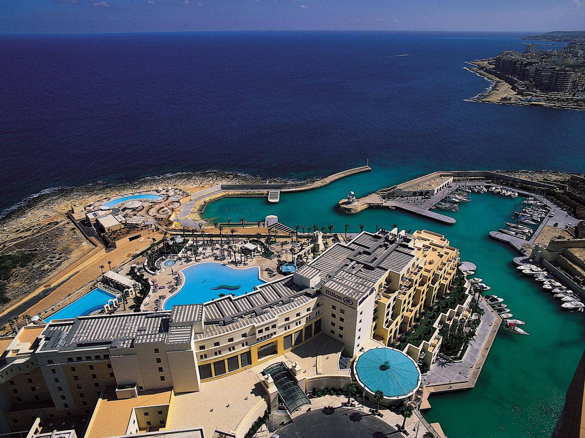 Hilton worldwide hotels resorts malta for Hotels malte