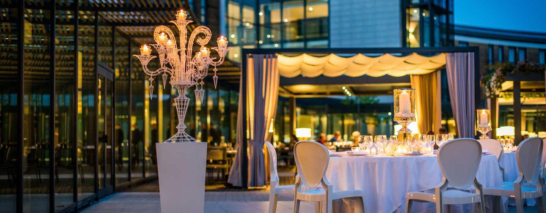DoubleTree by Hilton Hotel Venice - North, Italia - Giardino dell'Arco di sera